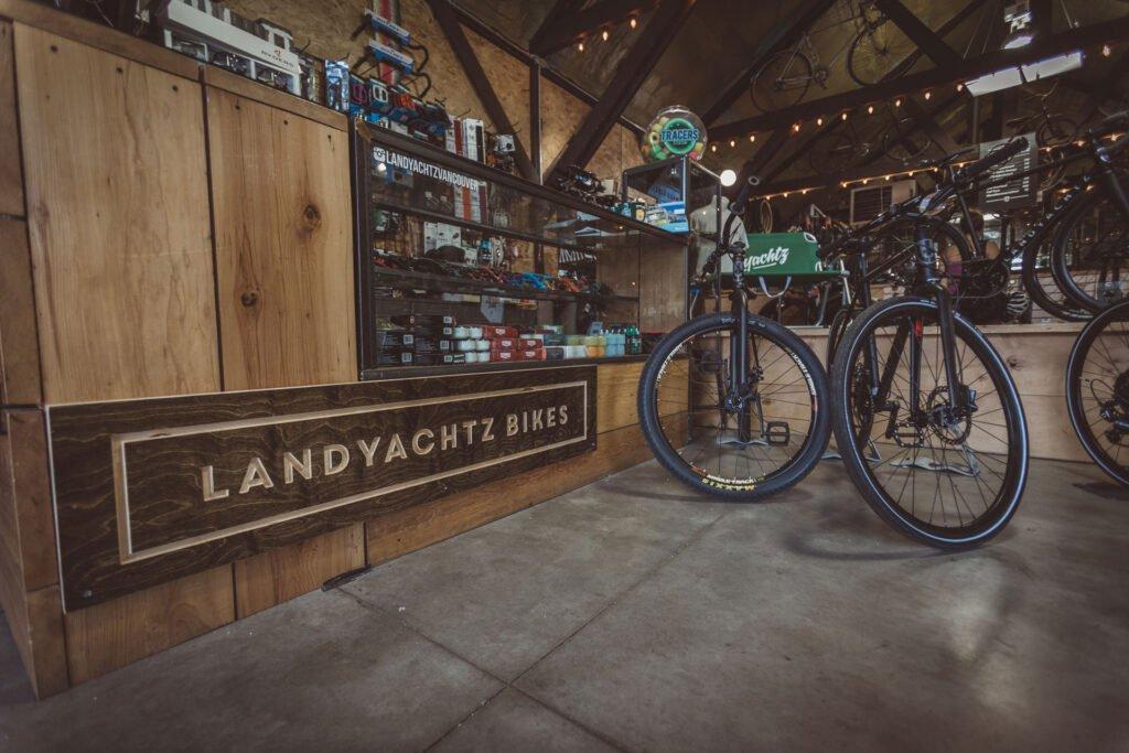 Landyachtz-Bikes-Vancouver-1146-union-shop