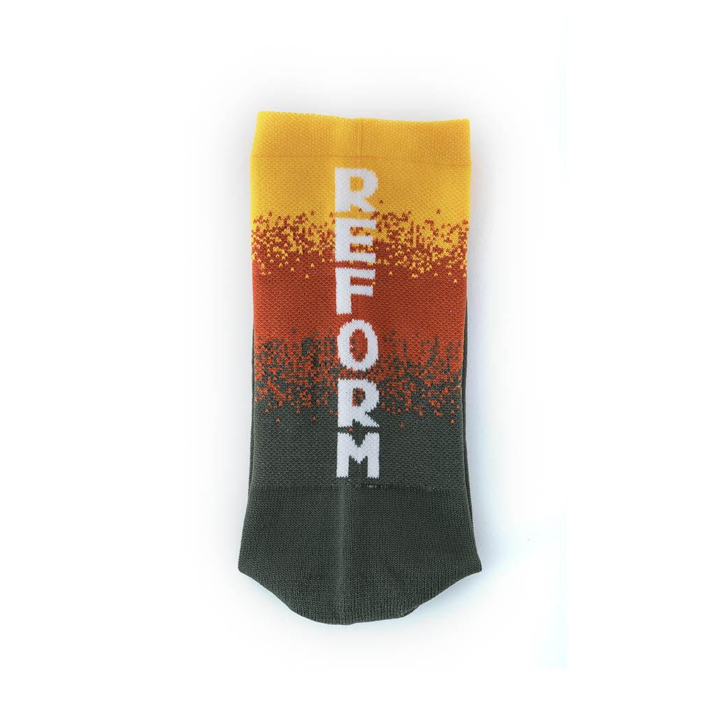 Landyachtz-Reform-Socks-02-grey-orange-yellow