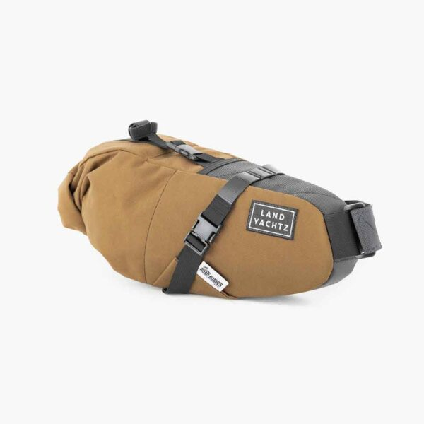 Landyachtz-Road-Runner-x-LY-Saddle-Bag-01