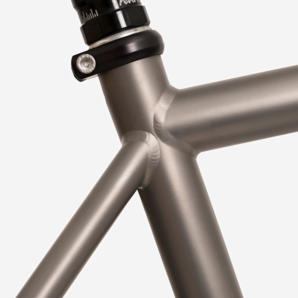 Landyachtz_Frame_Sets_Titanium_Monster_Bikes_dsc03599