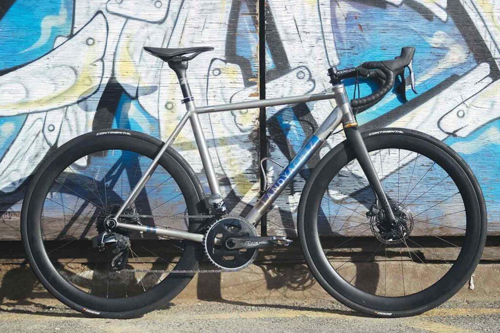 landyachtz-bikes-titanium-commuter-cover